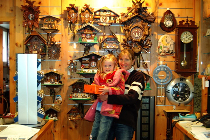 lauterbrunnen-cuckook-clock-shop