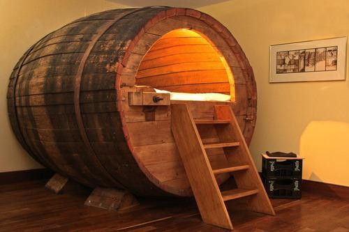 beer-barrel-airbnb