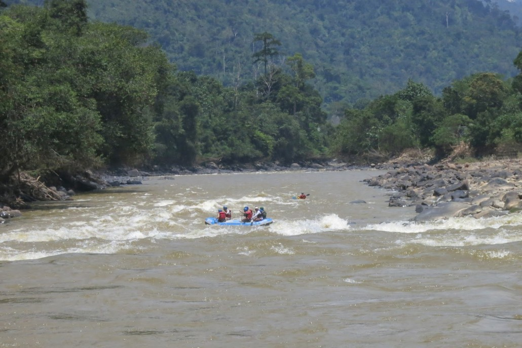 white-water-rafting-borneo