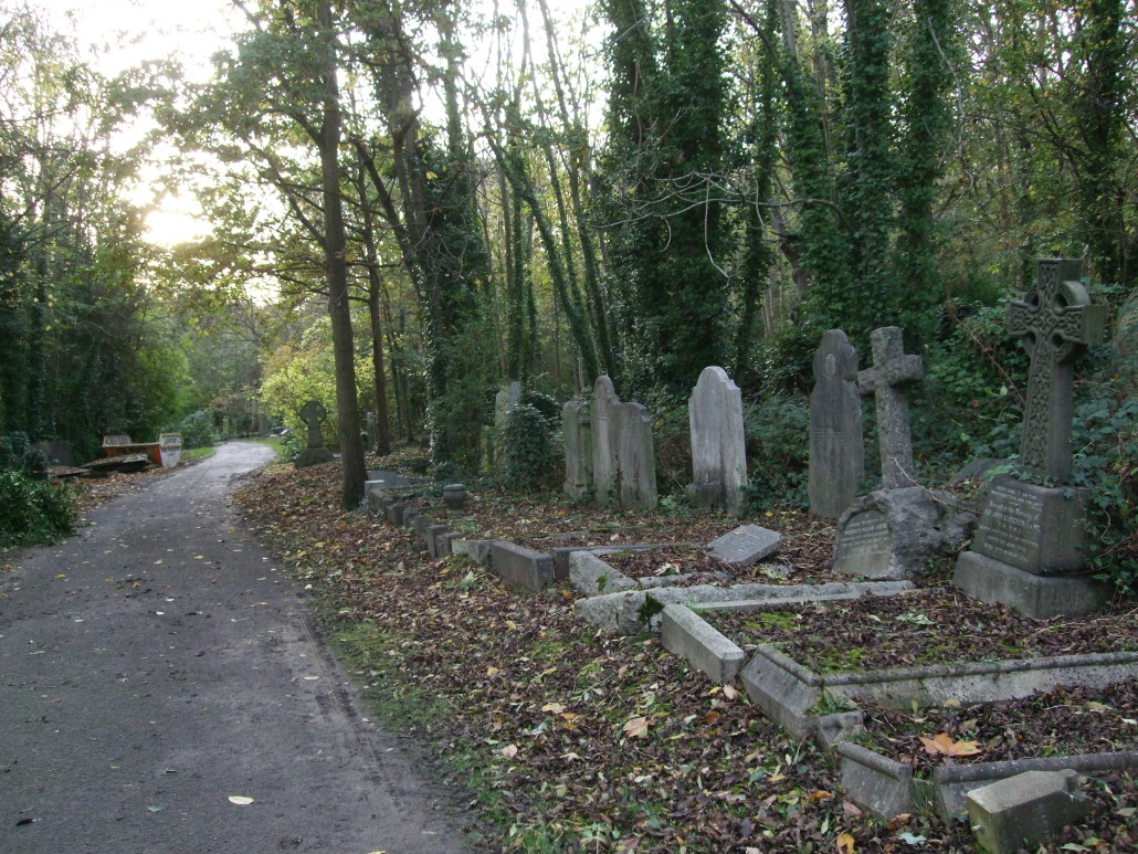 10-best-graves-and-graveyards